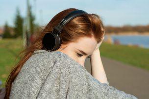 失恋ソングを聴く心理で今の自分の思いが分かる!